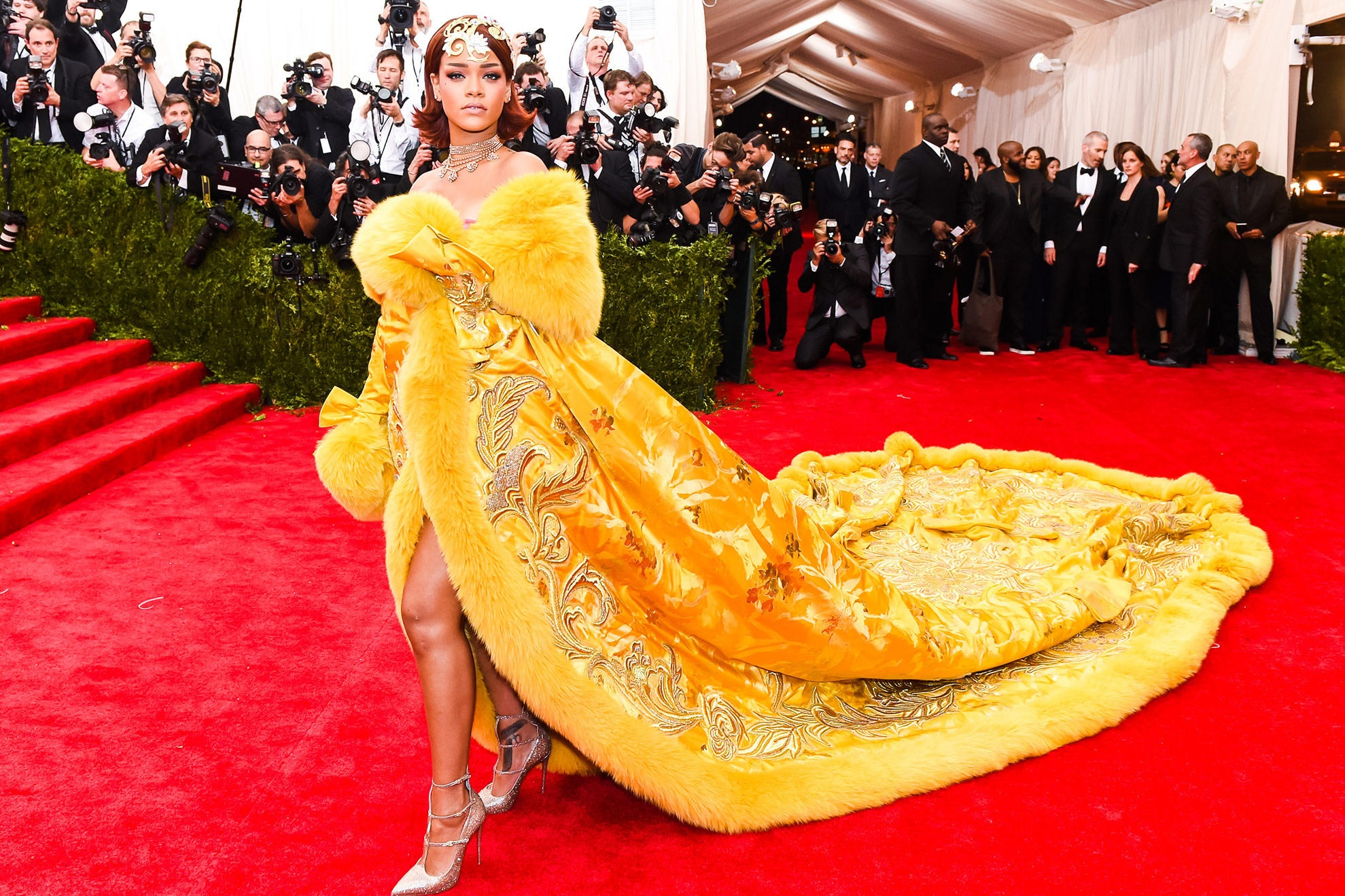rihanna 2015 met gala dress